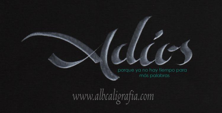 Texto caligráfico sobre la palabra Adios