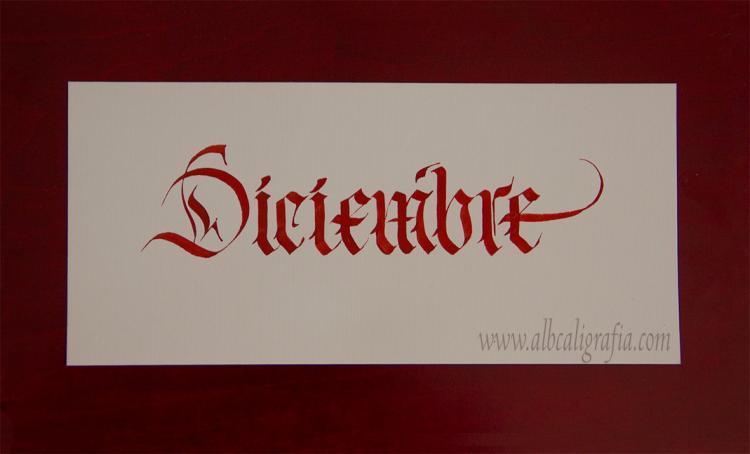 Palabra diciembre en estilo caligráfico gótico