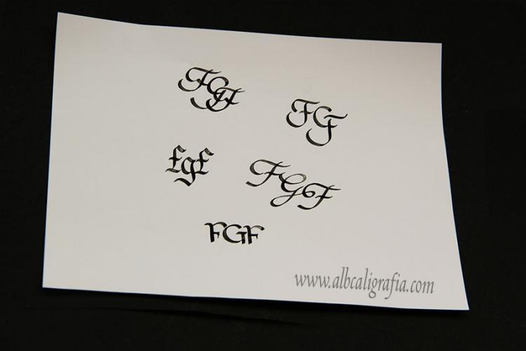 Monograma FGF en caligrafía