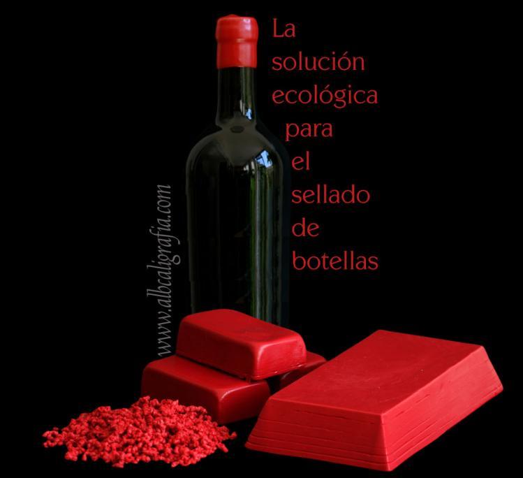 Botella con sello de lacre rojo y texto sobre soluciones ecológicas para el sellado de botellas