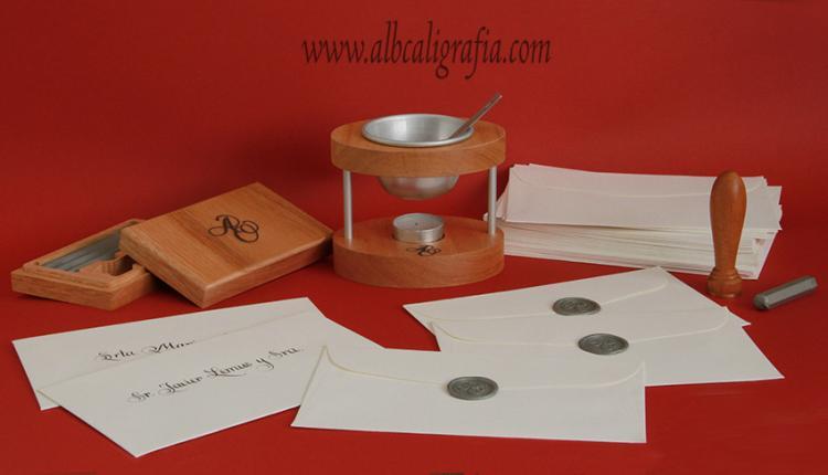 Set de lacrado con sello especial, barras de lacre, lacrador personal y sobres