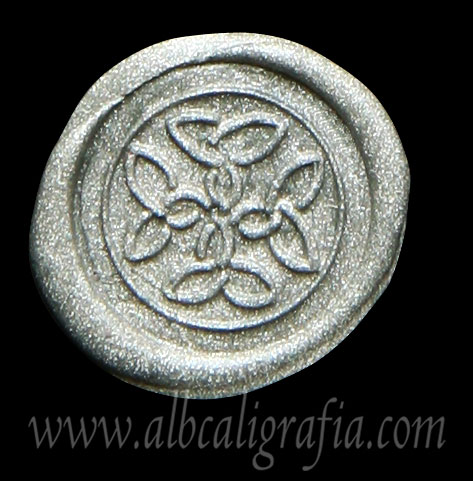 Medallón de lacre plata con sello de cruz trenzada