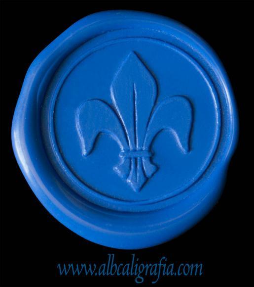 Medallón de lacre color azul rey con flor de liz