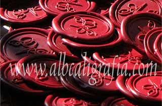 Medallones de lacre color rojo