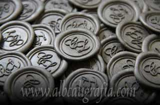 Medallones de lacre plata con iniciales CL