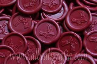 Medallones de lacre color rojo para botellas de vino
