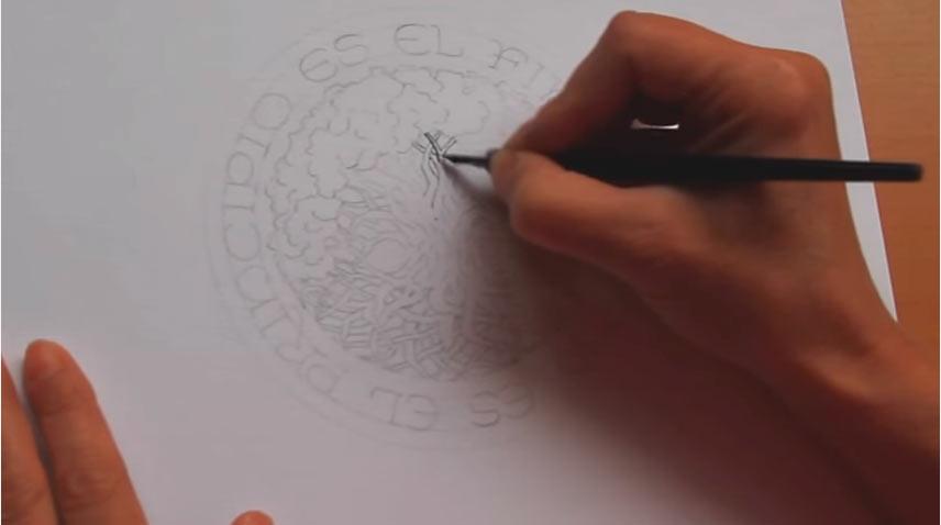 Mano dibujando árbol de la vida